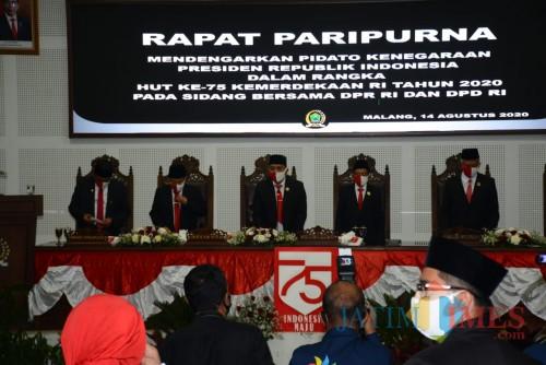 Suasana Rapat Paripurna mendengarkan Pidato Presiden RI Jokowi di Ruang Sidang DPRD Kota Malang. (Arifina Cahyanti Firdausi/MalangTIMES).