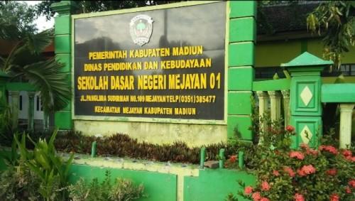Kreativitas SD Negeri 01 Mejayan Madiun, Gunakan Web untuk Pemberian Tugas kepada Siswa