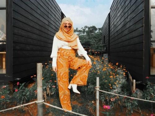 Gaya vintage fashion ala Tengku Syaira. (Foto: instagram @osnapitzcha).