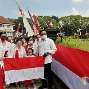 Mbois, Bendera Merah Putih 366 Meter Hiasi Alun-Alun Tugu Kota Malang