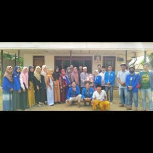 Sambut HUT RI ke-75, Kopri PMII STKIP Bangkalan Bagikan Al-Qur'an ke Guru Ngaji