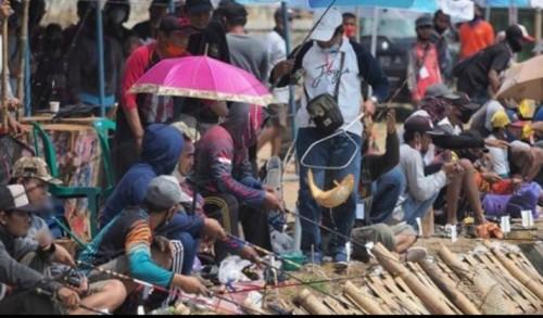 Lomba Memancing Meriahkan Kemerdekaan RI di Kota Madiun