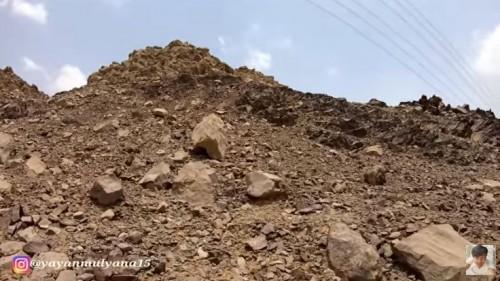 Kisah Gunung Berjalan yang Dihentikan Lajunya oleh Rasulullah dengan Pedang