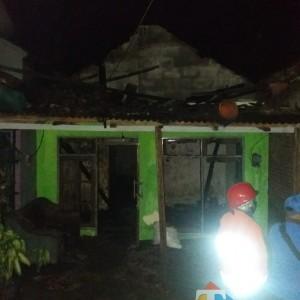 Kebakaran di Ngantang, Sebabkan Kerugian Puluhan Juta dan Satu Orang Alami Luka Bakar