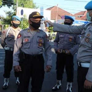 Tingkatkan Kedisplinan Penggunaan Masker, Polresta KediriRazia di Markas