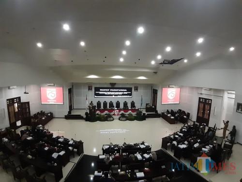 Suasana Rapat Paripurna Di Kantor DPRD Kota Malang. (Arifina Cahyanti Firdausi/MalangTIMES).