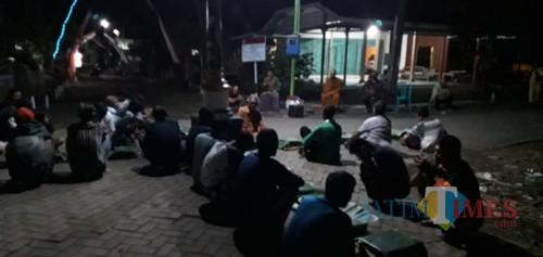 Suasana acara baritan di Dusun Sidorejo Wetan.