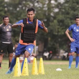 Jelang Kompetisi, Pemain Arema FC Dihajar Latihan Fisik