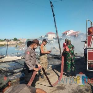 Diduga Ada yang Bakar Sampah Sembarangan, Tiga Tempat Usaha Milik Warga Pamekasan Terbakar