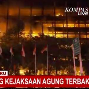 Gedung Kejaksaan Agung Terbakar, Iklan Rokok 8 Tahun Lalu Kembali Viral