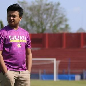 Rekrut Lucky, Persik Berburu Prestasi di E-Sport