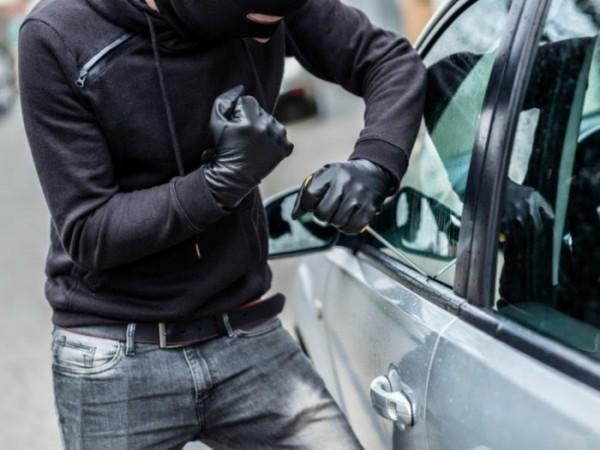 Ilustrasi pencurian part mobil (allstate)