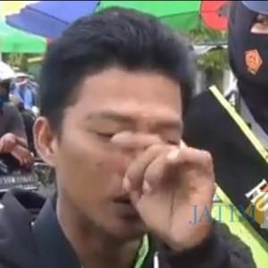Tidak Bermasker, Pengendara di Jember Disanksi Nyanyi Indonesia Raya Auto Nangis
