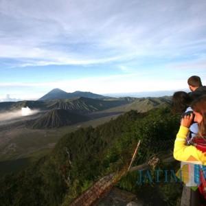 Wisata Gunung Bromo Dibuka, Kuota Maksimal 739 Orang