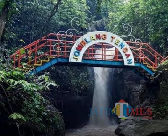 Wisata Air Terjun Jomblang Tengah di Madiun Ini Mulai Ramai Dikunjungi Wisatawan