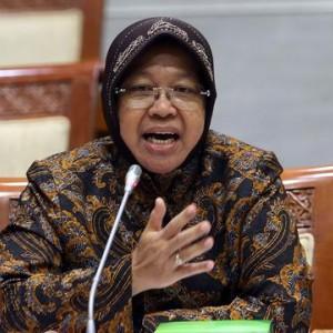 Viral Video Wali Kota Risma 'Dibaptis', Pemkot Surabaya Beri Bantahan
