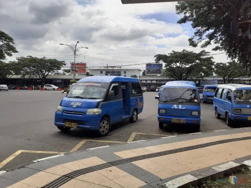 Salah satu alat transportasi di Kota Malang. (foto dok MalangTIMES)