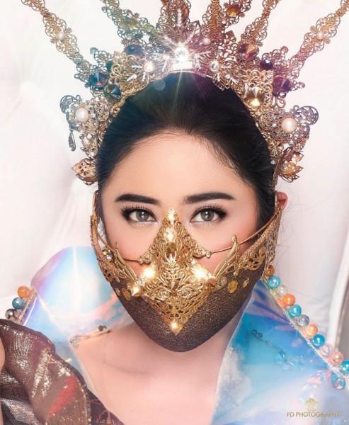 Wow, Masker Fashion Khas Budaya Indonesia nan Mewah ini Karya Desainer Malang