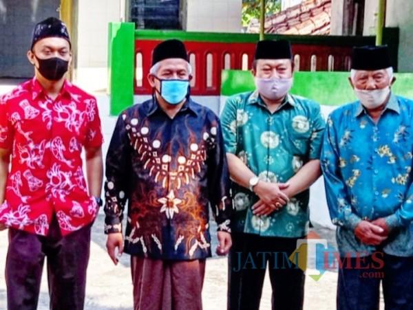 Henry-Yasin Didoakan KH Marzuki Mustamar, Ini Pesan yang Disampaikan oleh Ketua PWNU Jatim