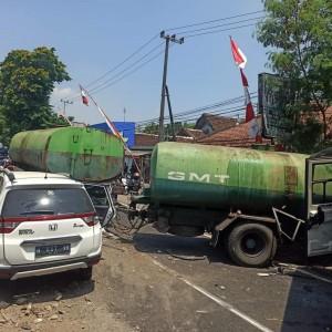 Bus Alami Rem Blong, Hantam Truk Gandeng dan Minibus, 1 Orang Meninggal Dunia