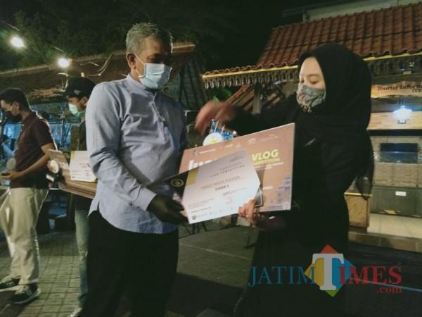 Inggit Juara Lomba Vlog, Angkat Karya Cikal Bakal Lahirnya Banyuwangi