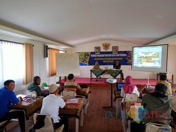 Dinas Pertanian Pemkab Blitar terus memberikan pendampingan dan pelatihan kepada petani tembakau.(Foto : Aunur Rofiq/BlitarTIMES)