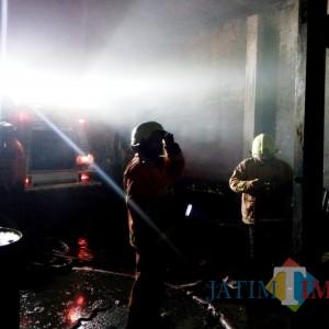 Toko Onderdil Terbakar, Kerugian Disebut Capai Miliaran