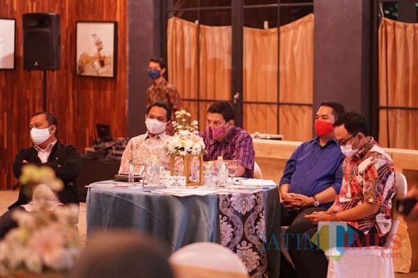 Diskusi Kepala Daerah Milenial Jatim,  Wali Kota Kediri Sampaikan Percepatan UMKM