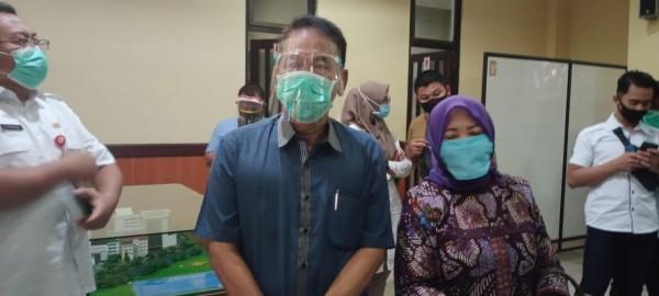 Bapaslon LaDub saat datang ke RSSA Kota Malang untuk melaksanakan tes psikologi dan wawancara, Rabu (9/9/2020).