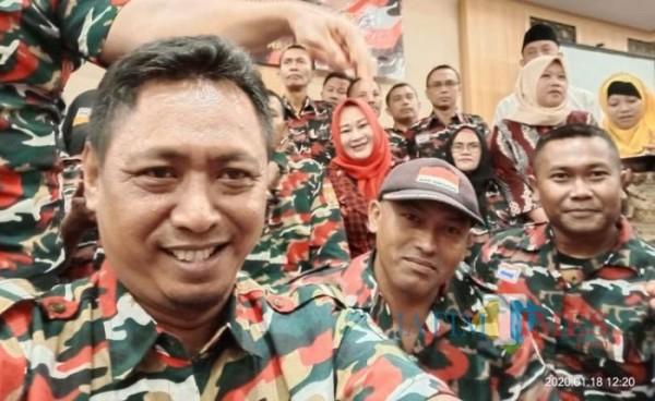 Sejumlah anggota Laskar Merah Putih Cabang Pamekasan, Madura, Jawa Timur