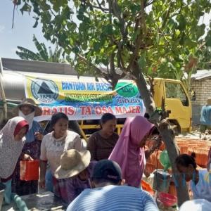 FRPB Kirim Bantuan Air Bersih untuk Wilayah Rawan Kekeringan di Pamekasan