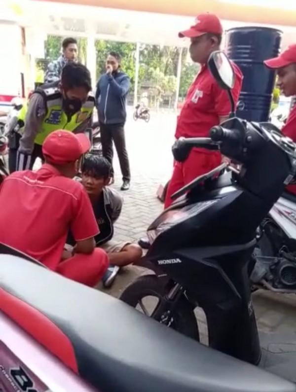 Nyolong Motor di SPBU, Pria di Blitar Nyaris Babak Belur Dihajar Massa