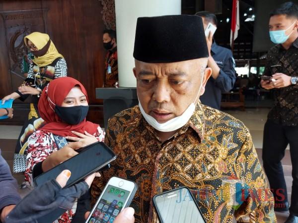 Bakal Calon Bupati Malang, HM. Sanusi ketika ditemui awak media di Pendopo Kepanjen, Kabupaten Malang, Kamis (10/9/2020) (Foto: Tubagus Achmad/ MalangTIMES)
