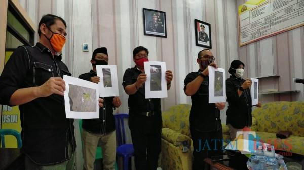 Komisioner KPU Kota Blitar mendatangi Mapolres Blitar Kota.(Foto : Aunur Rofiq/BlitarTIMES)