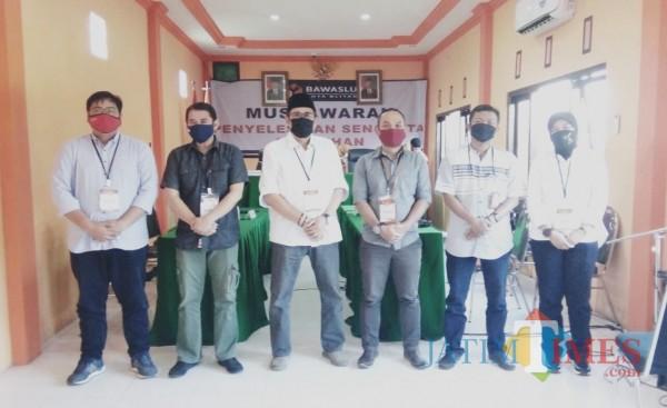 KPU Kota Blitar menghormati putusan yang dikeluarkan Bawaslu terkait gugatan bapaslon Listeng.(Foto : Aunur Rofiq/BlitarTIMES)