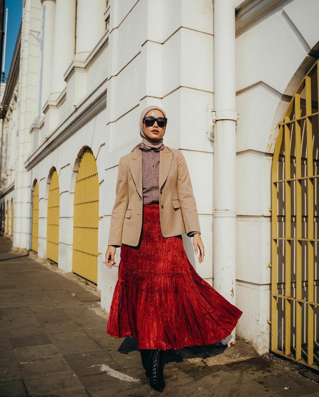 Suka Outfit Warna Cokelat? Simak Variasi Mix and Match Ini Biar Makin Outstanding | Jatim TIMES