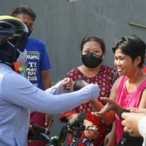 Kampanye Kota Mojokerto Bermasker, Wali Kota Ning Ita Gowes ke Kampung dan Bagikan Masker