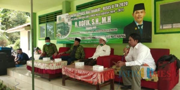 Acara jaring aspirasi dan reses anggota DPRD Jatim dari PPP H. Rofik SH, MH (Foto : Moch. R. Abdul Fatah / Jatim TIMES)