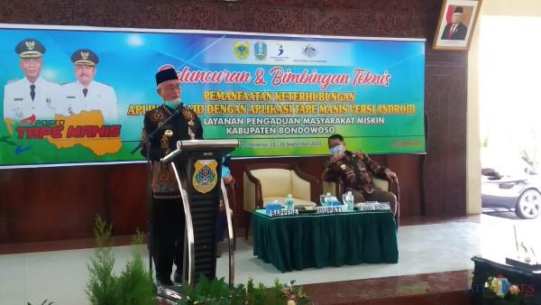 Bupati Salwa dan Wabup Irwan saat acara peluncuran dan bimbingan teknis (Foto: Abror Rosi/JatimTimes)