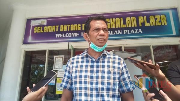 Mahmudi, Anggota Komisi A DPRD Bangkalan usai lakukan sidak di MPP Bangkalan (foto: redaksi bangkalantimes.com)