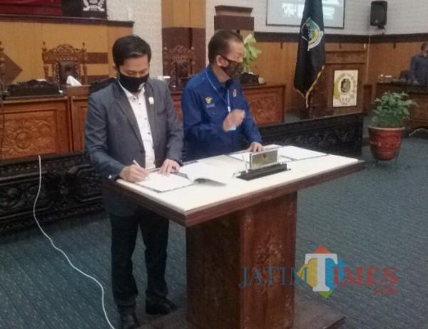 Pimpinan DPRD Banyuwangi Melakukan Penandatangan KUPA PPAS Nurhad Banyuwangi Jatim Times