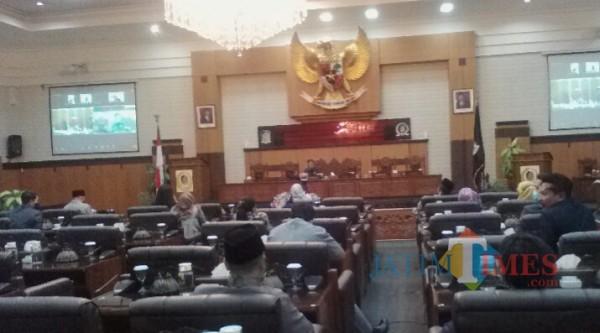 Suasana Rapat Paripurna DPRD Banyuwangi Secara Daring di Ruang Rapat Utama Gedung DPRD Banyuwangi Nurhadi Banyuwangi Jatim Times