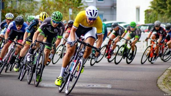 Aturan Khusus Pesepeda Kemenhub Akhirnya Terbit, Penggunaan Helm Tidak Wajib