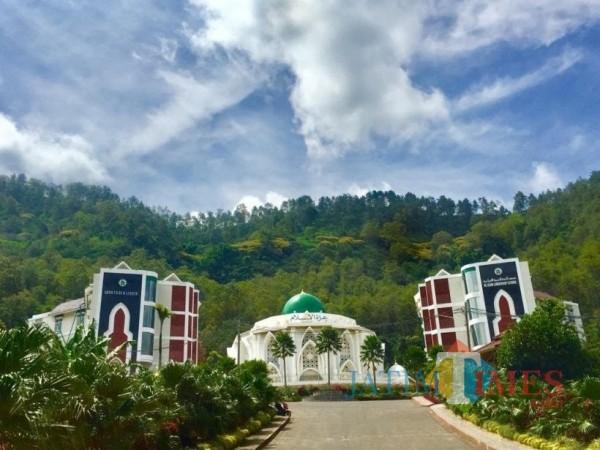 Suasana pondok pesantren santri Al-Izzah International Islamic Boarding School Kota Batu. (Foto: Irsya Richa/MalangTIMES)