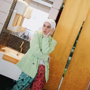 Tampil Stylish dengan Warna Hijau Mint, Contek Inspirasi Outfit ala Tantri Namirah
