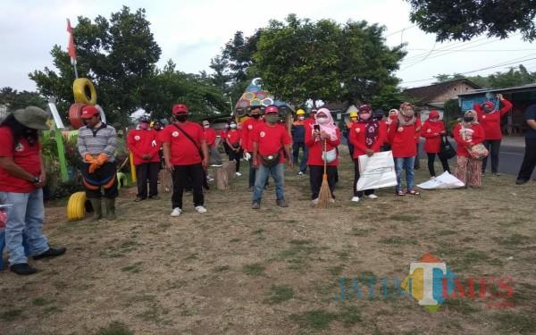 World Cleanup Day  di Tulungagung, Paku Banksa Ramai-Ramai Bersihkan Sampah Kali Ngrowo