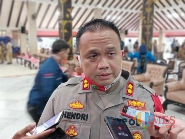 Kapolres Malang AKBP Hendri Umar saat ditemui awak media di Pendopo Agung Kabupaten Malang, Senin (21/9/2020). (Foto: Humas Polres Malang for MalangTimes)