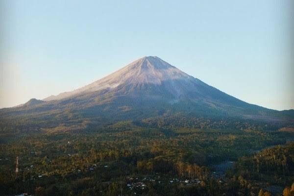Potret keindahan Gunung Semeru (Istimewa).