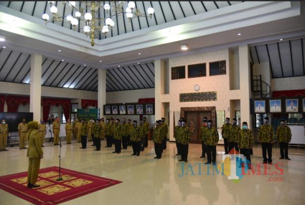 Bupati Jember Faida Melantik 26 Ketua BKAD di Pendapa Wahyawibawagraha