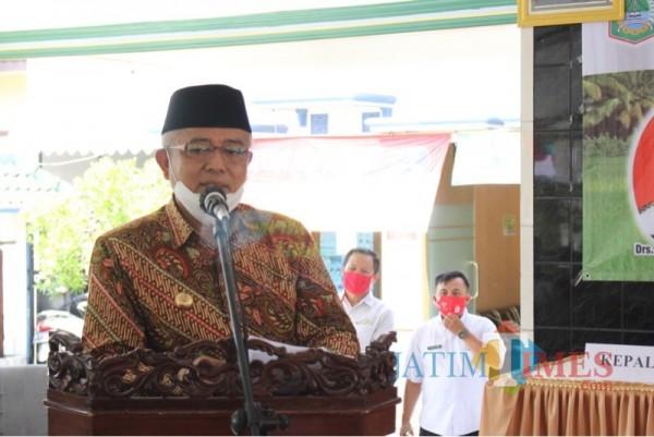 Bupati Malang HM Sanusi saat menerangkan perkembangan kasus Covid-19 di wilayah pemerintahannya (Foto : Humas Pemkab Malang for MalangTIMES)